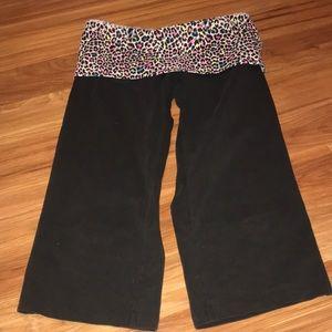 Pink Victoria secret cropped yoga pants